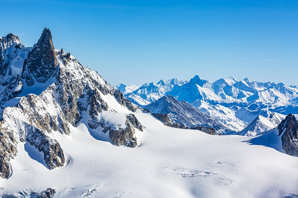 How to Save up Money for a Luxurious Ski Holiday in Chamonix